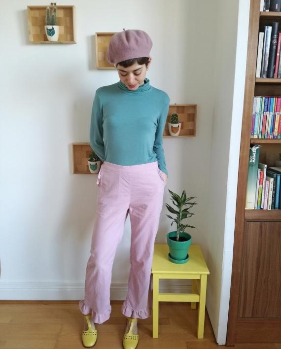 Cinnamon-Trousers-Sewing-Pattern-CocoWawa-Crafts-Ruffle-Version-570x708